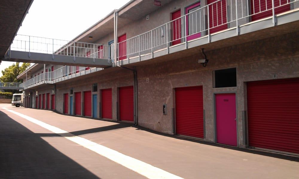 Clean exterior storage units at VP Self Storage in Tarzana, California