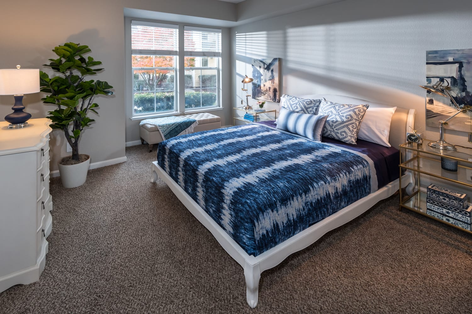 Guest bedroom at Nantucket Apartments in Santa Clara, California