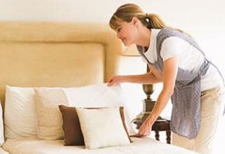 Senior living community with housekeeping and linens service at Discovery Commons