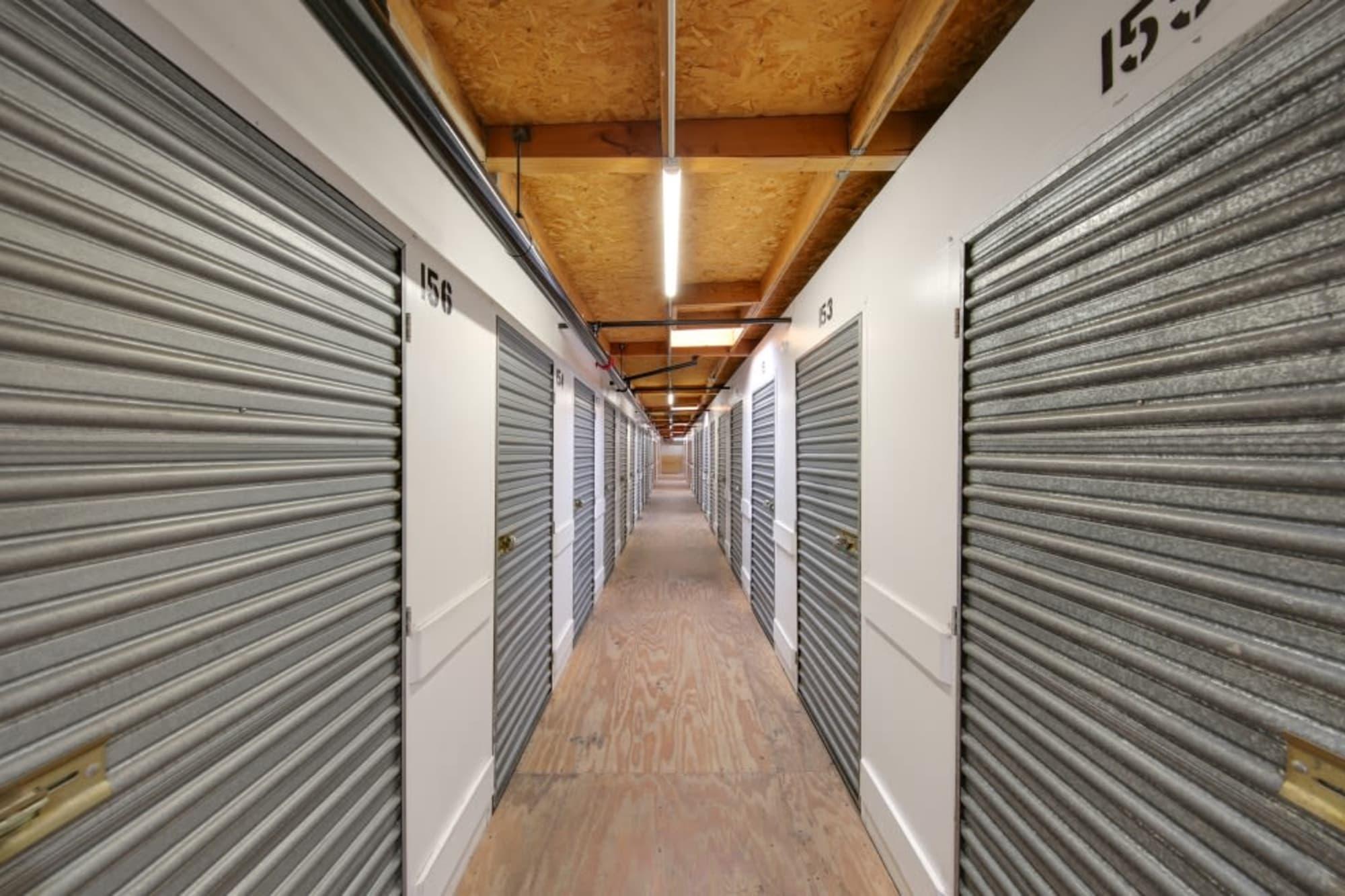 Indoor storage units in El Cajon, California