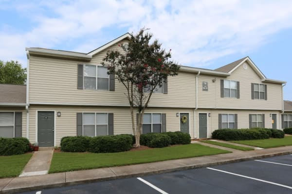 Madison Pines apartments in Madison, Alabama