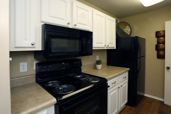 Kitchen appliances at Park West in Mobile, Alabama