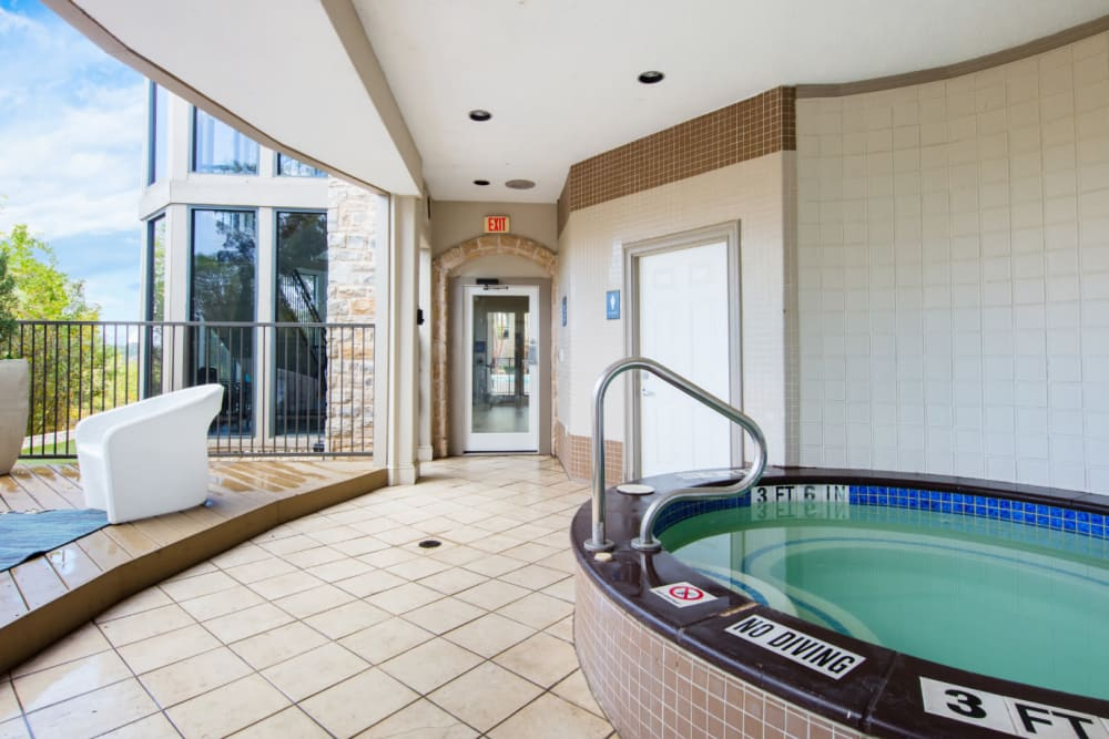 Hot tub at Marquis at Treetops in Austin, Texas