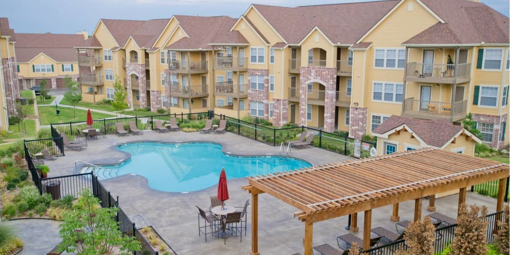 Poolside seating at Tuscany Place in Lubbock, Texas