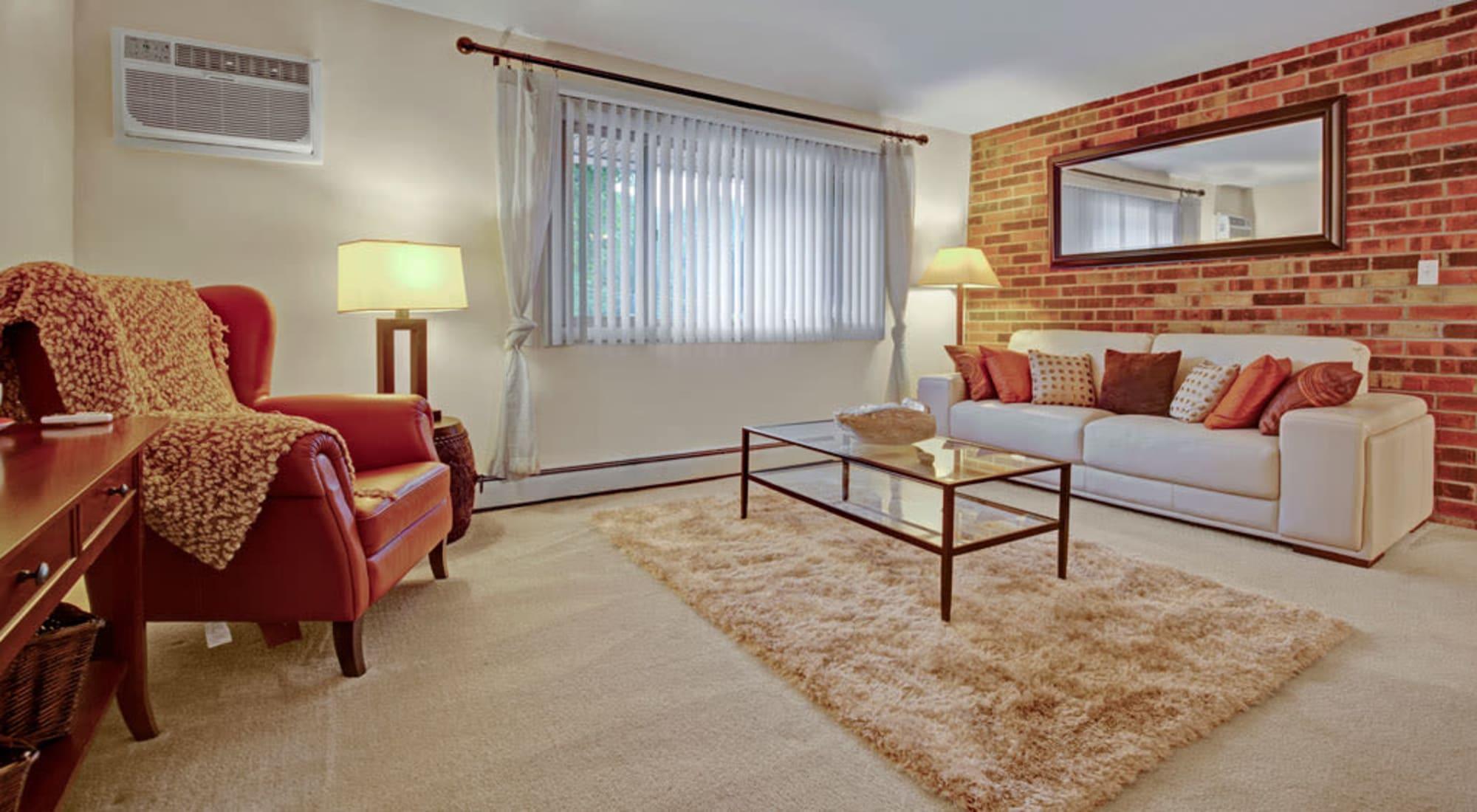 Floor plans at Blackhawk Apartments in Elgin, Illinois