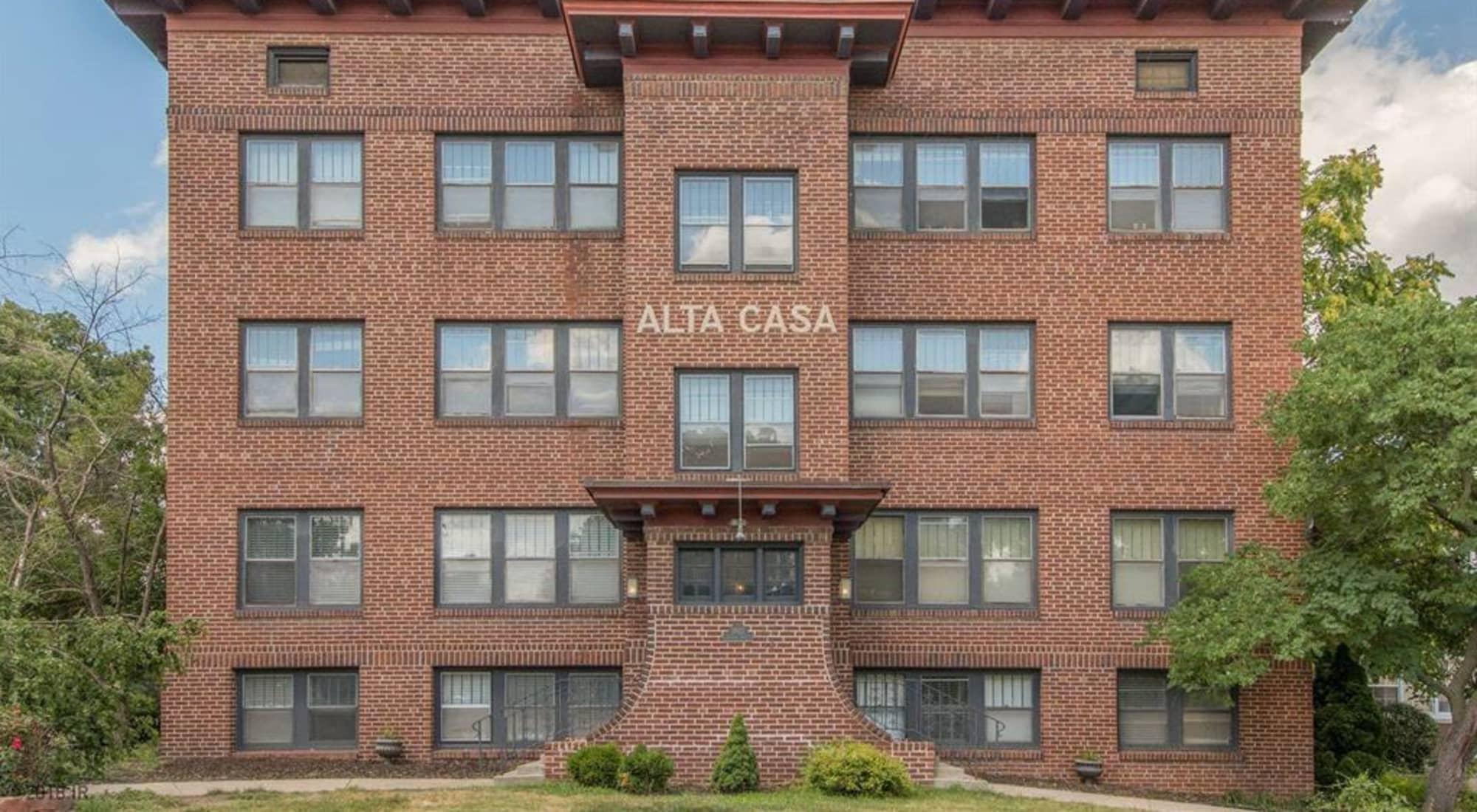 Apartments at Alta Casa, Des Moines, Iowa