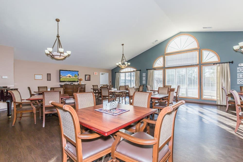 Dining room at Brookstone Estates of Mattoon North in Mattoon, Illinois