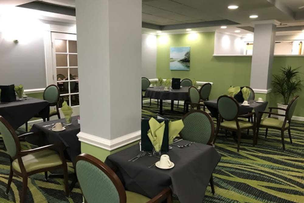 Dining hall at The Peninsula in Pembroke Park, Florida