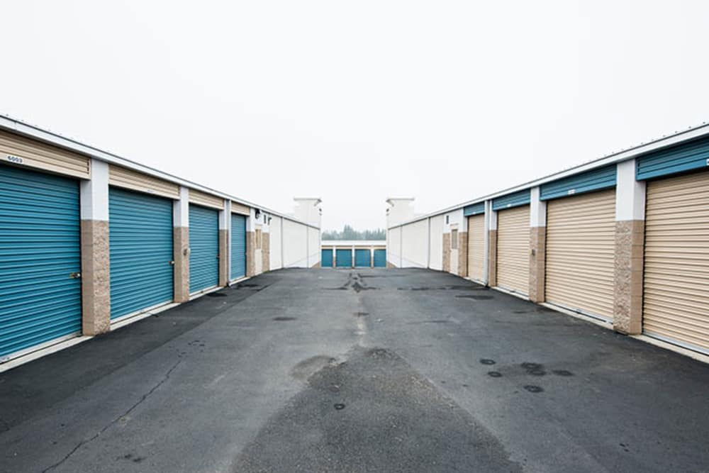 Drive up units  at Stor It Self Storage & Business Center in Clovis, California