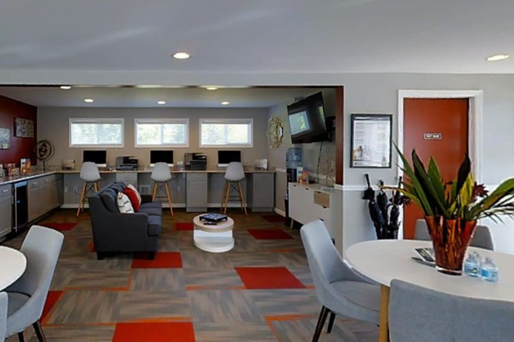 Business work stations and lounge at Terra Apartment Homes in Federal Way, Washington