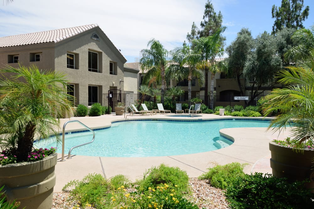 Link to amenities at Lumiere Chandler in Chandler, Arizona