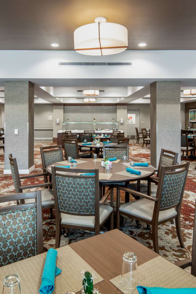 Dining hall at Quail Park of Oro Valley in Oro Valley, Arizona