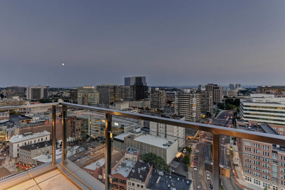 Vela on the Park offers a beautiful private balcony in Stamford, Connecticut