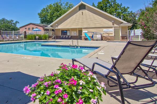 Swimming pool at The Summit at Ridgewood in Fort Wayne, Indiana