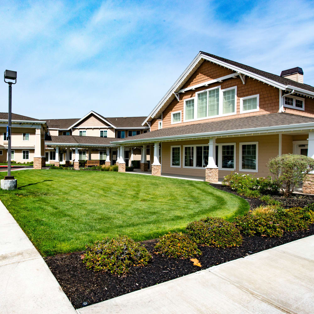 Front of building at The Commons at Dallas Ranch in Antioch, California