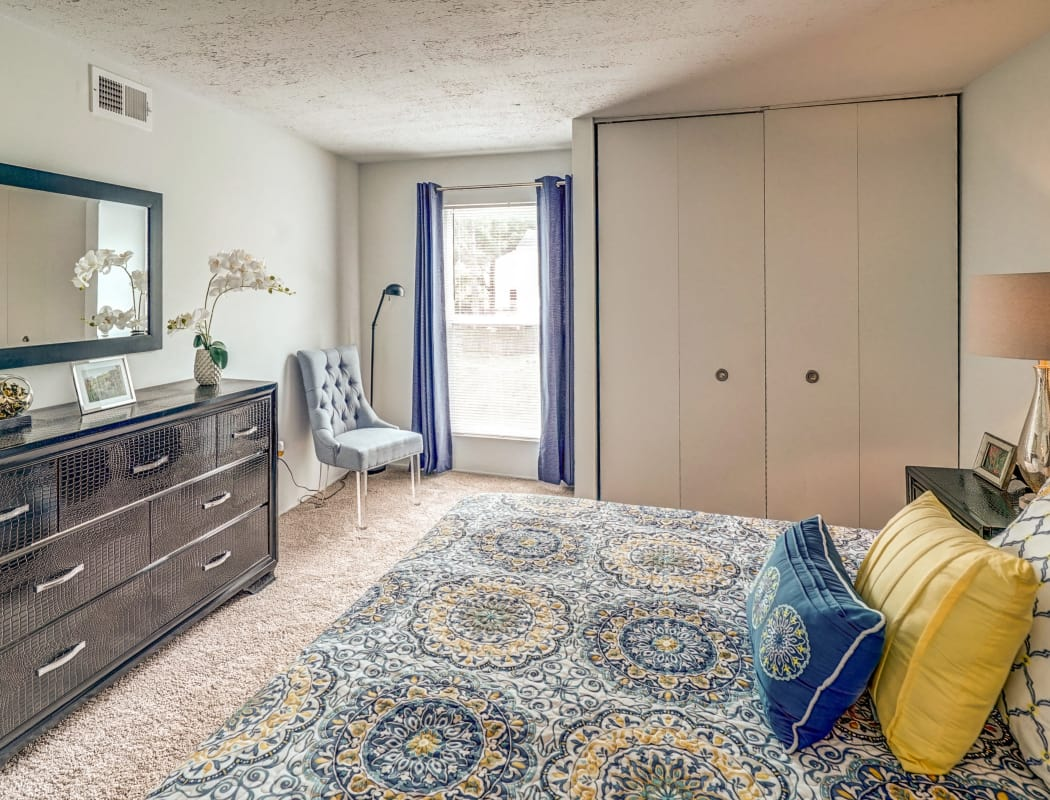Aston Ridge Apartments apartment bedroom
