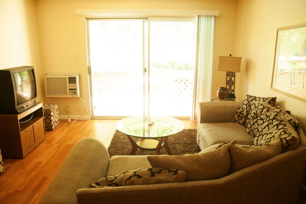 Spacious living room at Parkview in Concord, California