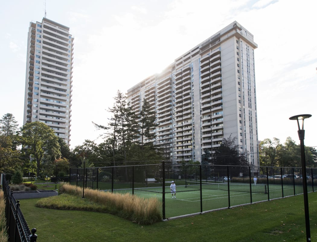 Toronto, ON Luxury Apartments for Rent in Summerhill