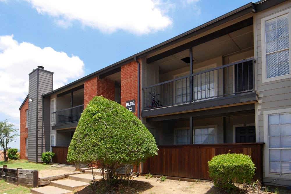 Apartments at Woodford Ridge in Fort Worth