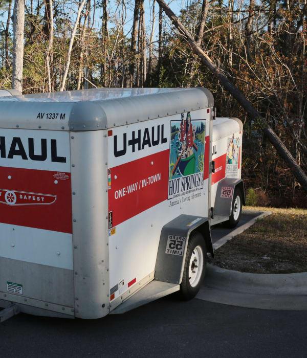 moving trailer from Midgard Self Storage in Wilmington, North Carolina