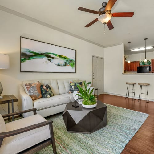 Flexible Lease Terms at Marquis Lakeline Station in Austin, Texas