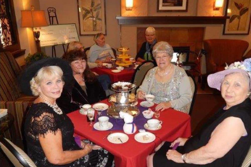 Residents enjoying dinner at Merrill Gardens at Green Valley Ranch in Henderson, Nevada.