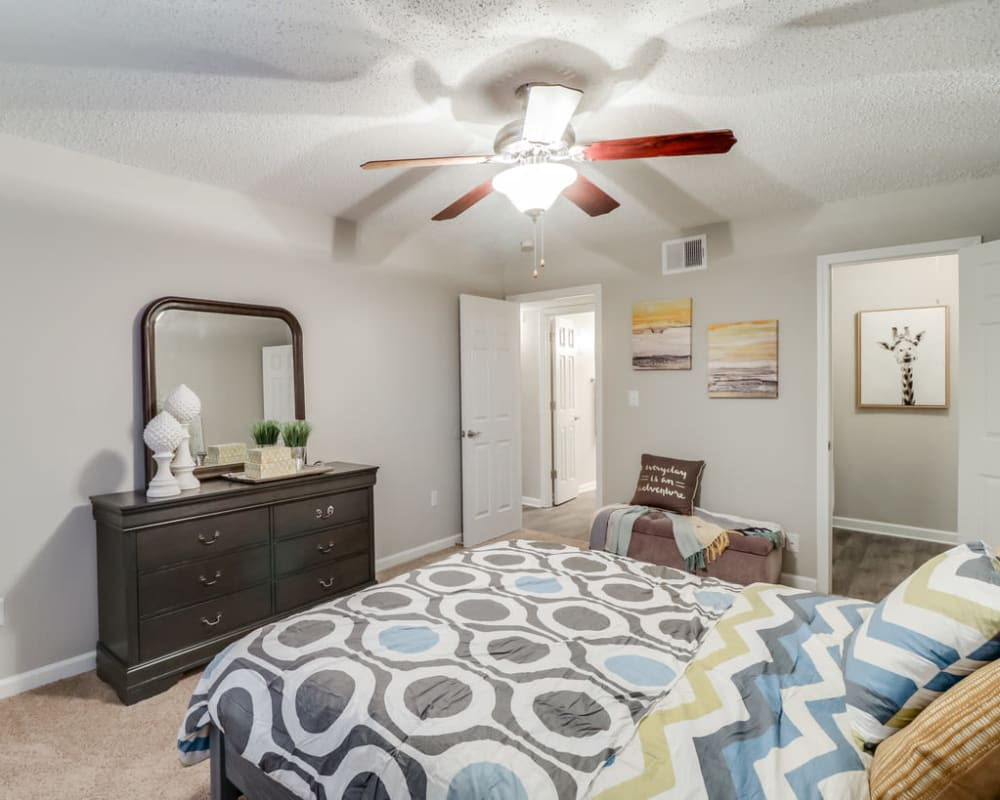 Spacious bedroom with a closet at Pinebrook Apartments in Ridgeland, Mississippi