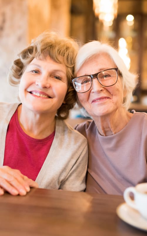 Resident and her daughter at Jaybird Senior Living