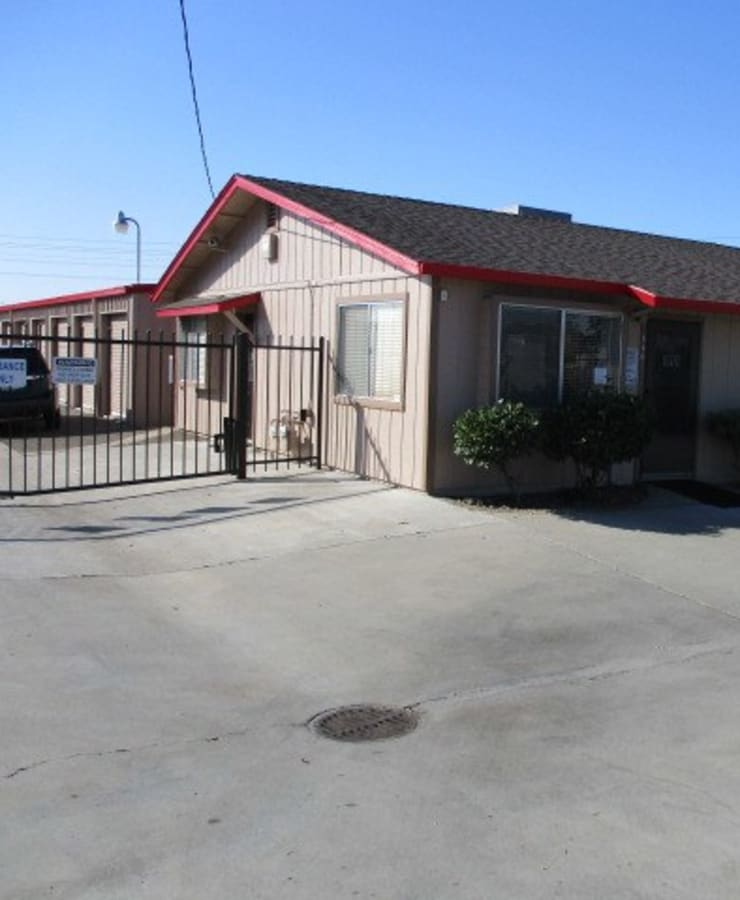 The exterior of the main entrance at StorQuest Self Storage in Ripon, California