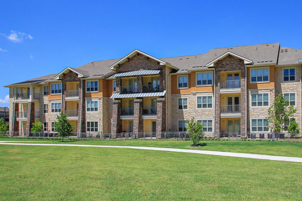 Building exterior at Estates of Richardson in Richardson, Texas