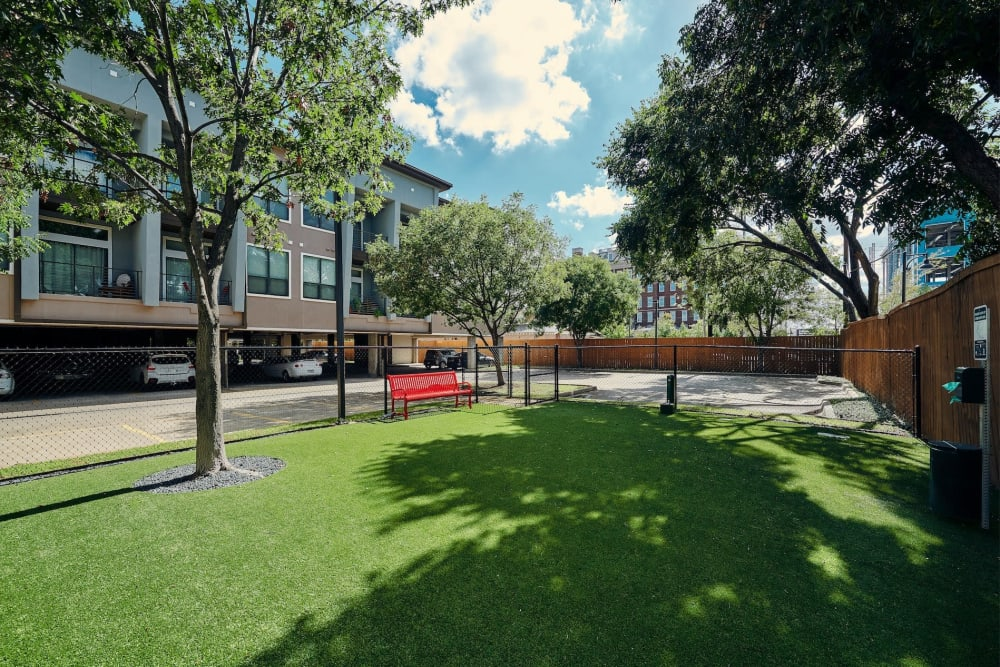 Link to neighborhood info for Seville Uptown in Dallas, Texas