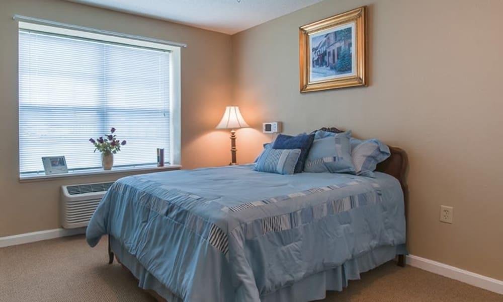 Resident bedroom at Randall Residence of Newark in Newark, Ohio