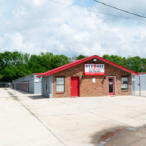 Office and outdoor storage units at Red Dot Storage in Denham Springs, Louisiana