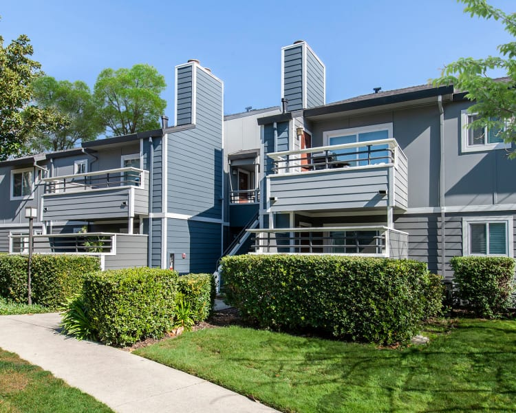 Click to see our photos at Bennington Apartments in Fairfield, California