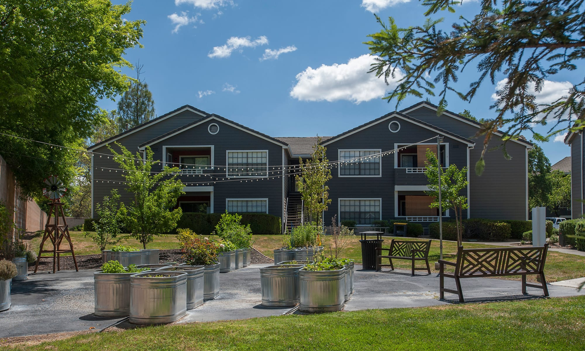 Apartments in Roseville, California at Slate Creek Apartments