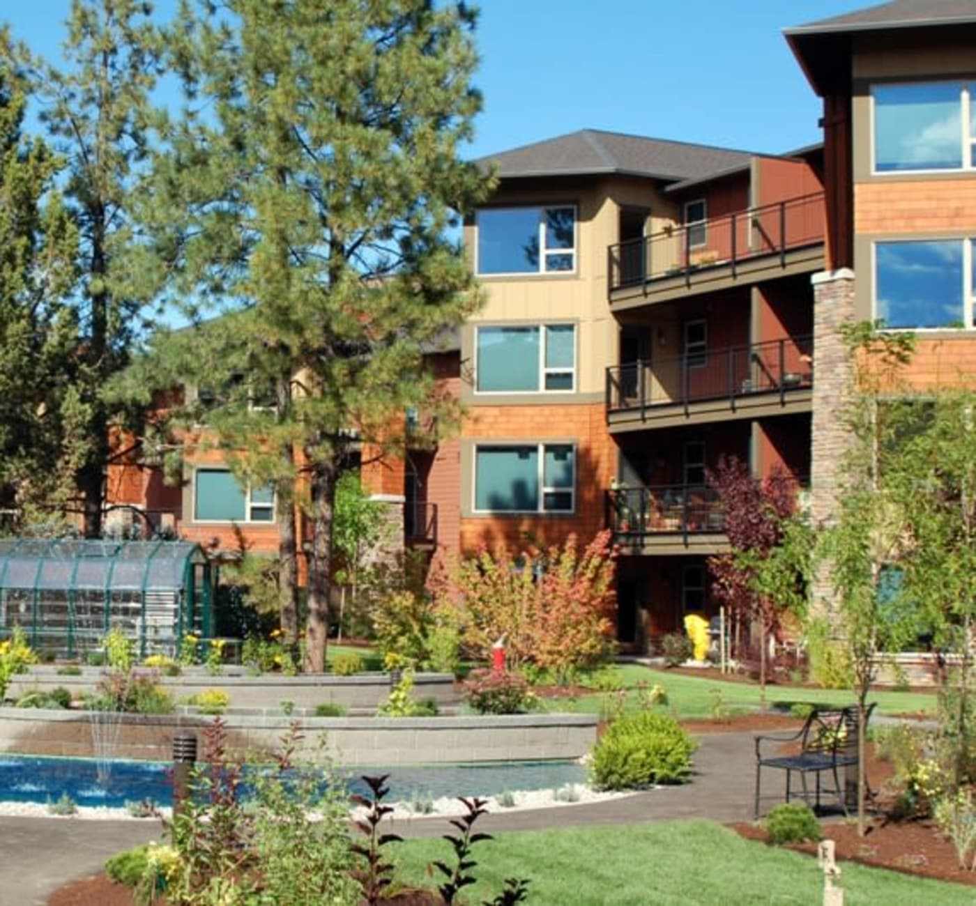 Building exterior at Touchmark at Mount Bachelor Village in Bend, Oregon