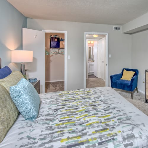 View virtual tour of 1 bedroom 1 bathroom A3 unit at The Madison in Charlotte, North Carolina