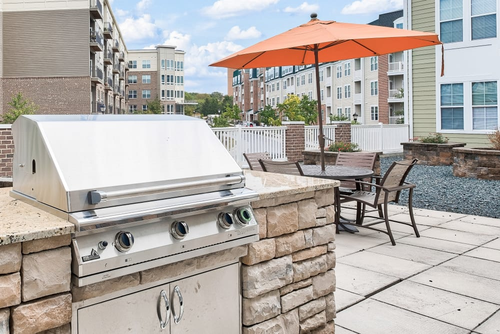 Outdoor BBQ Area at The Quarters at Towson Town Center in Towson, MD