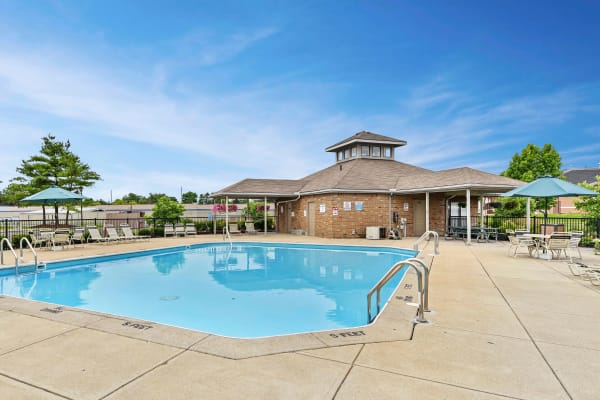 Swimming pool on a sunny day at Bolton Estates Apartments in Columbus, Ohio
