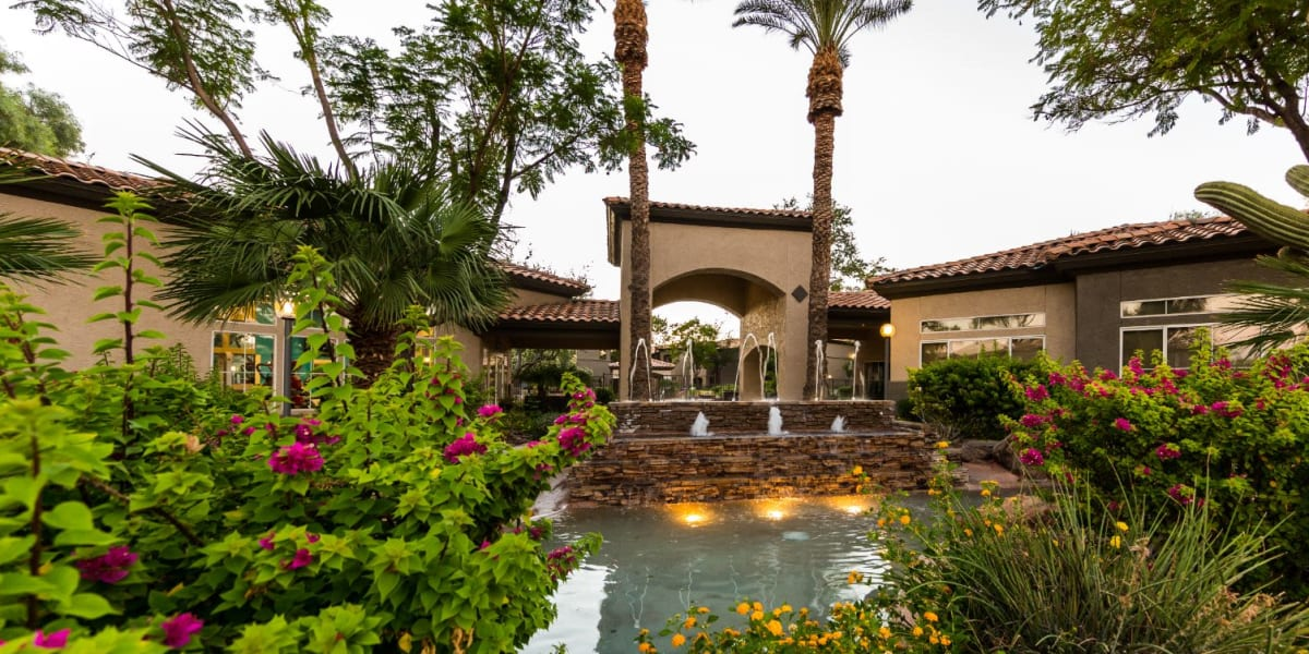 Lush landscaping at Marquis at Arrowhead in Peoria, Arizona