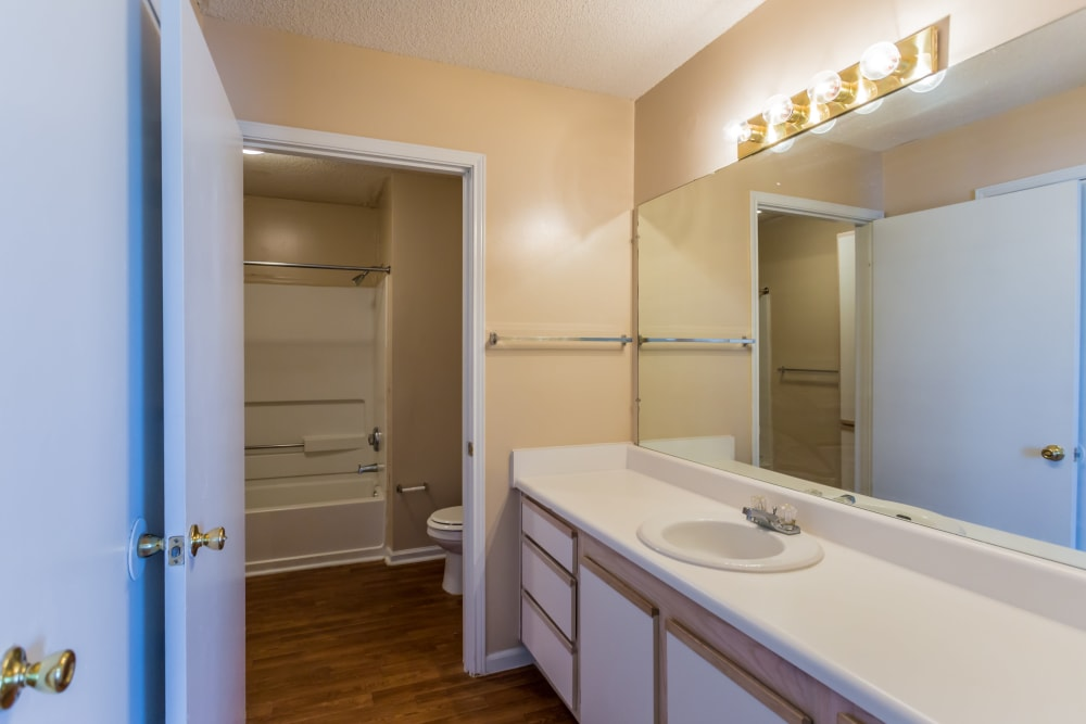 A large bathroom at Park Ridge Apartments in Jackson, Tennessee