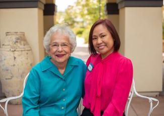 Happy residents at  senior living in Gilbert