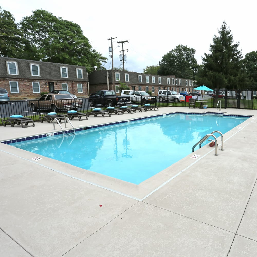 Large swimming pool at Reserve at Lindsay in Louisville, Kentucky