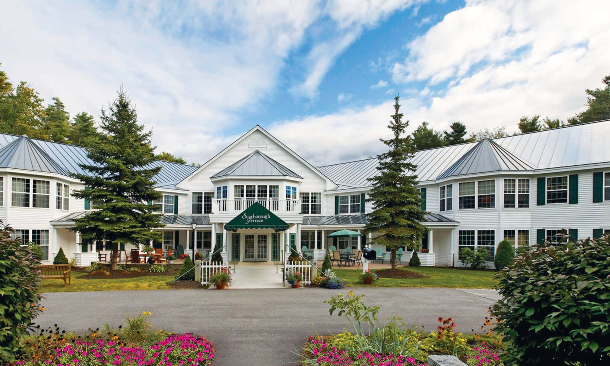 Senior living at Scarborough Terrace in Scarborough, Maine