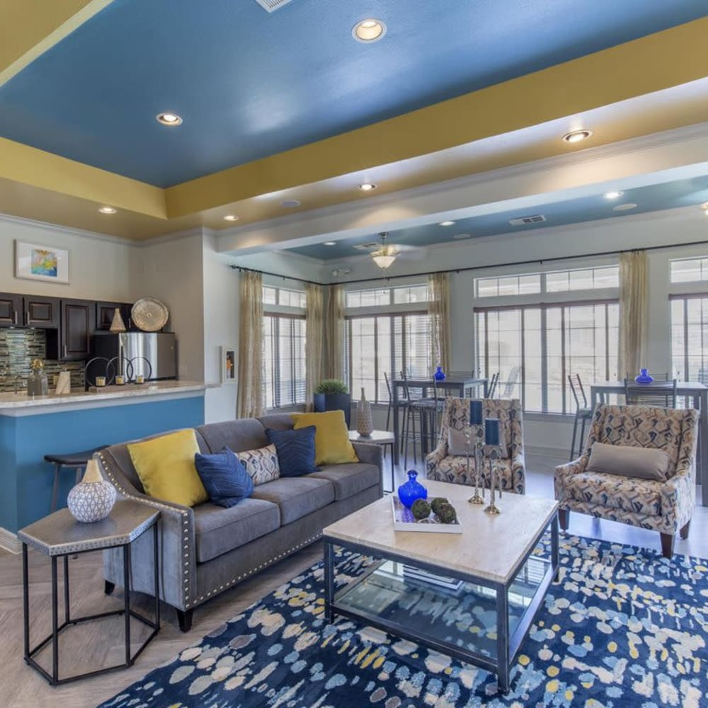 Spacious lounge with comfortable seating at Ranch at Hudson Xing in McKinney, Texas