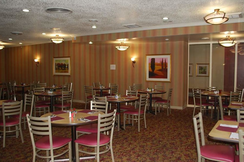 Brightly lit dining area at Park Place Senior Living in Sacramento, California