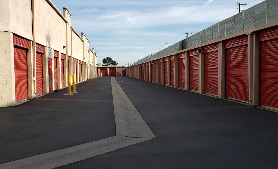 Exterior units at StorQuest Self Storage in Long Beach, CA