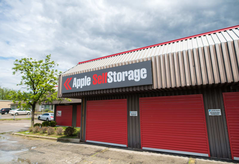 Apple Self Storage in Waterloo