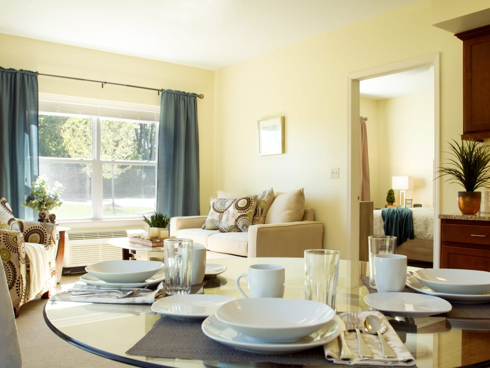 1 bedroom apartment dining room at Governor's Village in Mayfield Village, Ohio