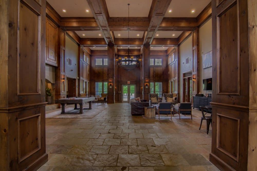 Large lobby area at Vintage on Yale in Tulsa, Oklahoma